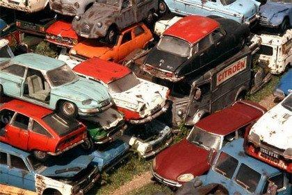 Cementerio de coches Citroën a escala 1/24
