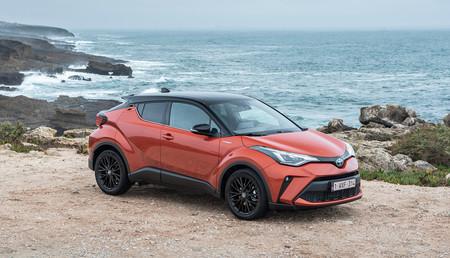 El nuevo Toyota C-HR ya está disponible en el mercado español: el SUV híbrido parte de los 25.050 euros