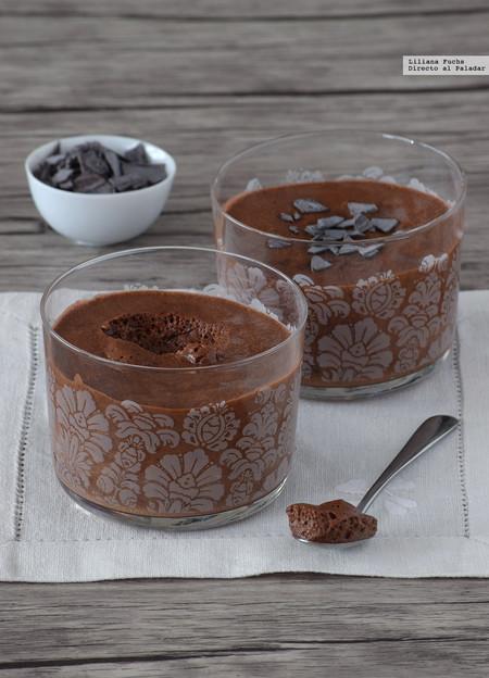 Mousse de chocolate esponjosa con dos ingredientes y sin huevo