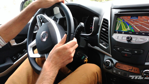 Cómo cuidarte en los viajes largos: Consejos de nutrición y ejercicio si viajas en coche