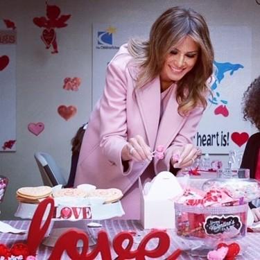 La última obsesión de Melania Trump es el color rosa y con él se vistió el día de San Valentín