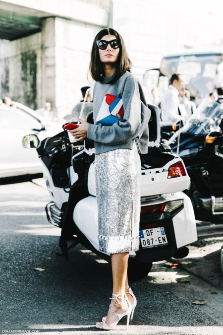 Pfw Paris Fashion Week Spring Summer 2016 Street Style Say Cheese Giovanna Battaglia Pencil Skirt Metallics Sarah Battaglia Bags 7 790x1185