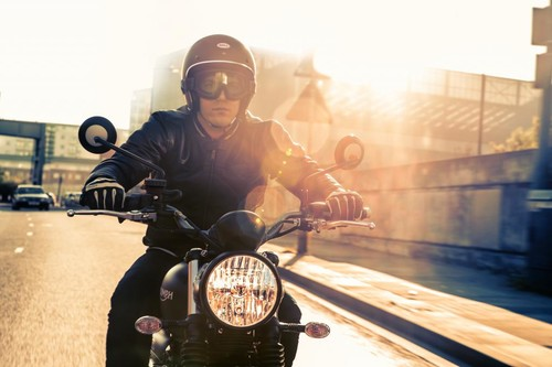 Aquí tienes las 6 motos scrambler más molonas de serie para ser la envidia de tu barbería