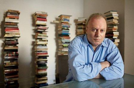 Muere Christopher Hitchens, autor de 'Dios no existe'