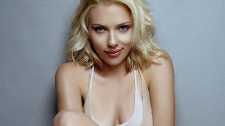 Scarlett Johansson podría aparecer en la película de 'Uncharted'. Al fin una buena razón para verla