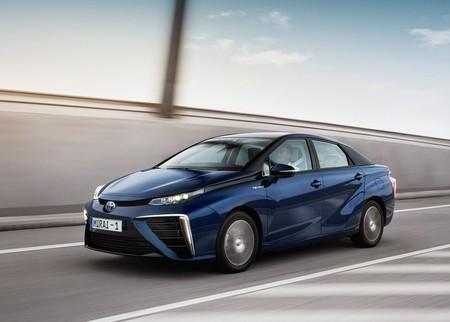 Los autos a hidrógeno serán tan asequibles como los híbridos en 2025, según Toyota
