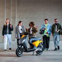 El Piaggio 1, el scooter eléctrico de la marca, lucirá una decoración de la diseñadora Feng Chen Wang en el EICMA 2021