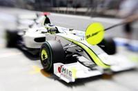 Brawn GP se desinfla y se complica el mundial de pilotos y de constructores