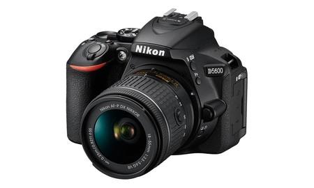 La Nikon D5600 con objetivo AF-S 18-55mm VR, en eBay esta semana por sólo 499,99 euros
