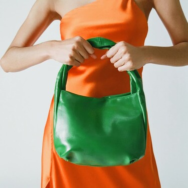Siete bolsos de piel de Zara que pueden ser tu salvación del verano