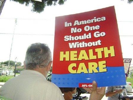 ¿Porqué no un 'mixto' en nuestro seguro de salud?
