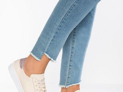 40% de descuento en las zapatillas Adidas Courtvantage, ahora por sólo 44,95 euros