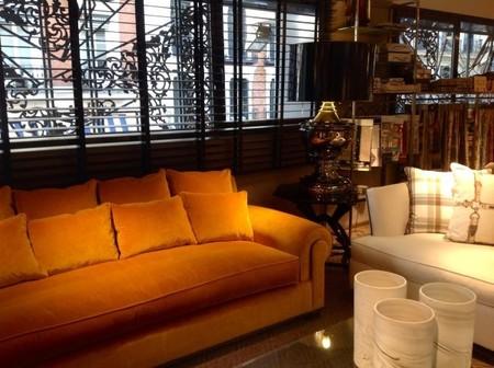 sofás-terciopleo-dorado.jpg