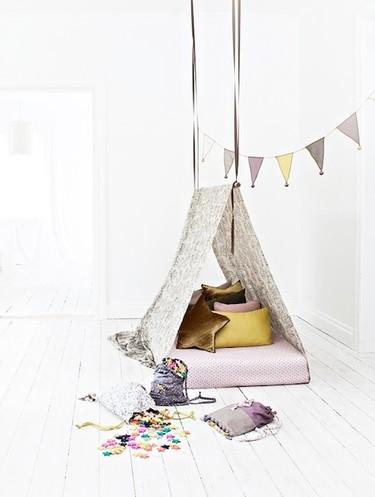 Idea exprés: monta una tienda en cinco minutos en la habitación infantil