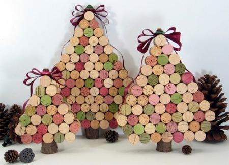 Recicladecoración: árboles de Navidad hechos con corchos