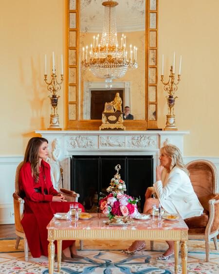 rania de jordania y jill biden en la casa blanca