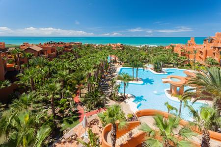 Entre los mejores lugares para disfrutar del verano: rooftop spa del Hotel Royal Hideaway Sancti Petri
