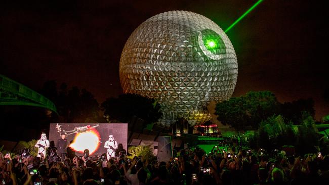 Disney transformó la Spaceship Earth de Epcot en una majestuosa Estrella de la Muerte de Star Wars
