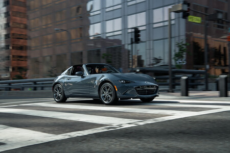 Mazda Polymetal Gray Mexico 17