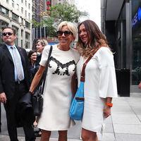 Con pantalones o con minivestido, Brigitte Macron es fiel a su estilo en la ciudad de Nueva York