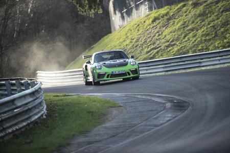 ¡Ya es oficial! El Porsche 911 GT3 RS marca un tiempazo de 6:56 en Nürburgring Nordschleife (+ vídeo)