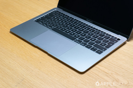 El MacBook Air (2018) con procesador Intel Core i5 y 128 GB de SSD está más barato que nunca en Amazon: 992,85 euros