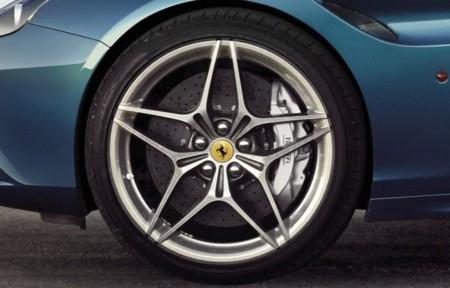 Ferrari California T llantas de aleación y frenos