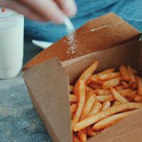 Cinco señales que te da tu cuerpo de que estás consumiendo demasiada sal