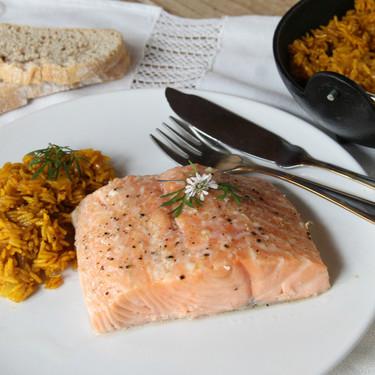 Salmón al horno a baja temperatura: la forma ideal de cocinar este pescado para que nunca se pase
