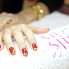 Foto 3 de 3 de la galería manicura-red-golden-cristmas-de-nails-and-the-city en Trendencias