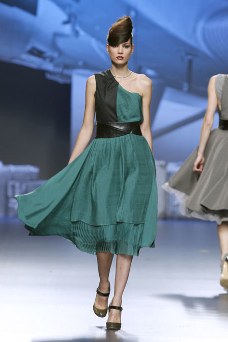Ion Fiz vestido verde