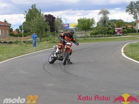 Conversión enduro/cross a supermotard fase 1