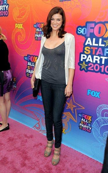 Look fiesta veraniega de Fox 2010 TCA. Adrianne Palicki
