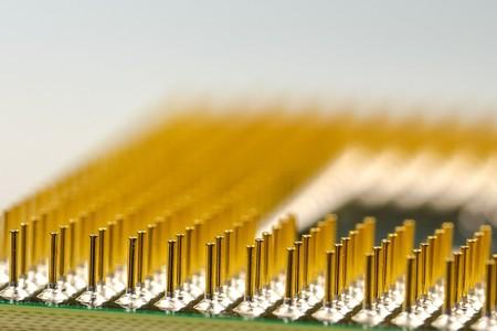 Tu antiguo ordenador tiene oro dentro, pero extraerlo es difícil, peligroso y poco rentable