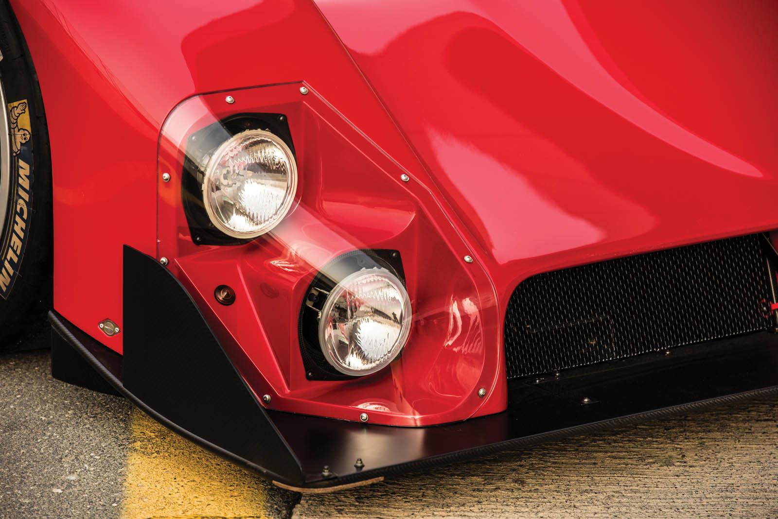 Foto de Ferrari 333 SP de 1994, a subasta (8/24)