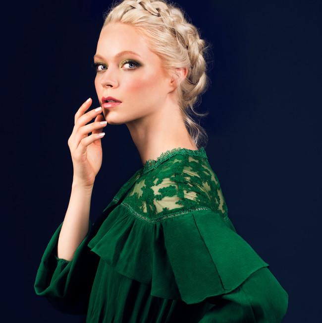 Piel impoluta y mucho color: así es 'Allegoría', la colección de otoño de Lola Make Up