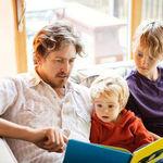 Los niños ingleses leen menos y peor que las niñas, según un estudio ¿qué pueden hacer para evitarlo?
