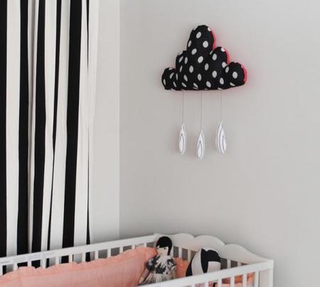 Usa el blanco y negro en una habitación infantil