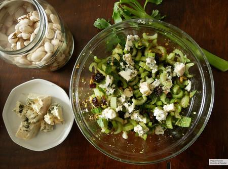 Ensalada de apio, pistachos y queso azul: receta fácil tan sorprendente como saludable