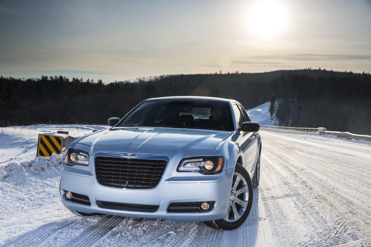 Foto de 2013 Chrysler 300 Glacier (15/27)