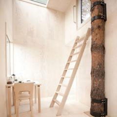 Foto 3 de 4 de la galería mirrorcube-vida-minimalista-en-la-copa-de-un-arbol en Decoesfera