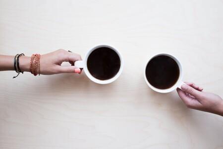 Expertos de la salud beber una taza de café por la mañana puede ayudarte a prevenir fallas cardíacas