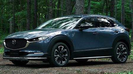 Mazda le da un toque deportivo al CX-30 con un kit oficial de carrocería