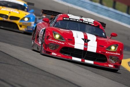 Chrysler no seguirá financiando el programa Dodge Viper SRT