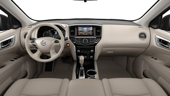 Mejores interiores según Ward's Auto 2013 - Nissan Pathfinder