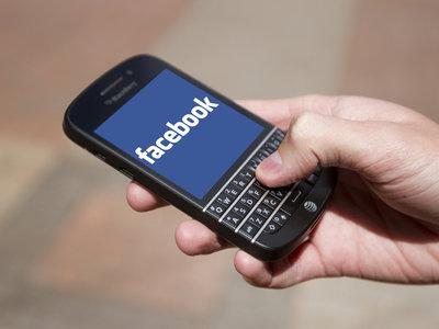 BlackBerry demanda a Facebook por infringir sus patentes de mensajería en WhatsApp, Messenger e Instagram
