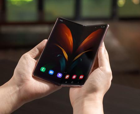 Samsung Galaxy Z Fold 2 07