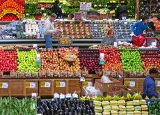 Francia ya obliga a sus supermercados a donar toda la comida que les sobra. ¿Qué hay de España?