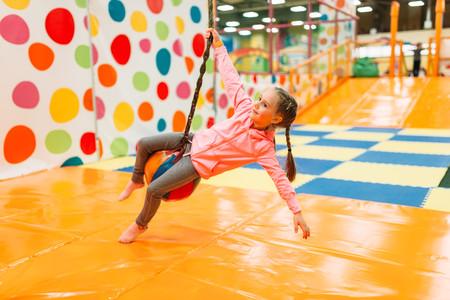 niña-jugar-ejercicio