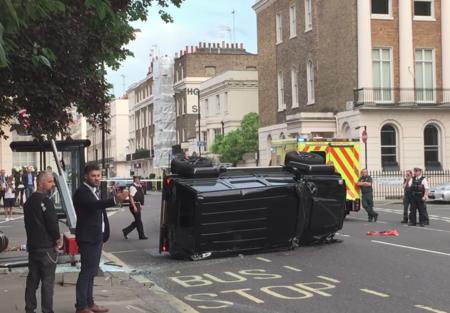 Video: Un Prius puede voltear un Brabus G500 4×4², sólo debe golpearlo en el lugar correcto